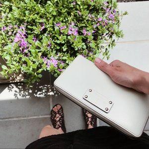 White Kate Spade Wallet Zip Up Wallet